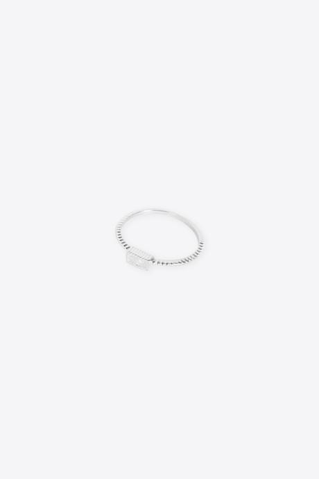 Ring H054